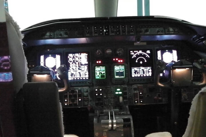 Cockpit-View-with-ST-Laserstrike-Protection
