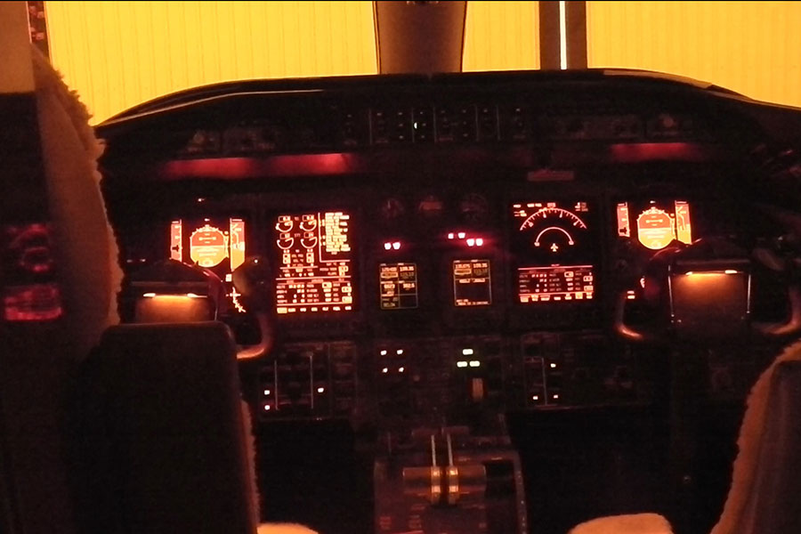 Cockpit-View-with-Standard-Protection